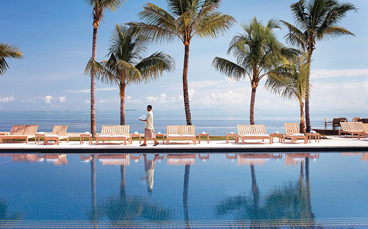 Hilton Fiji Beach Resort & Spa - Pool Side