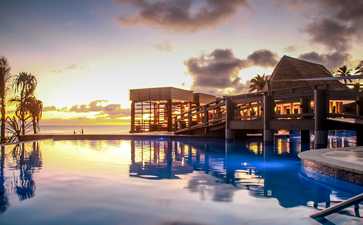 Mana Island Resort - Pool Sunset
