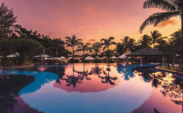 Warwick Le Lagon Resort  & Spa - Pool Sunset